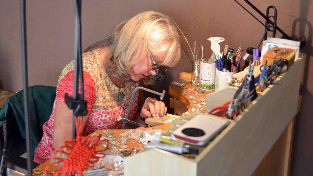 benefits of handmade jewelry